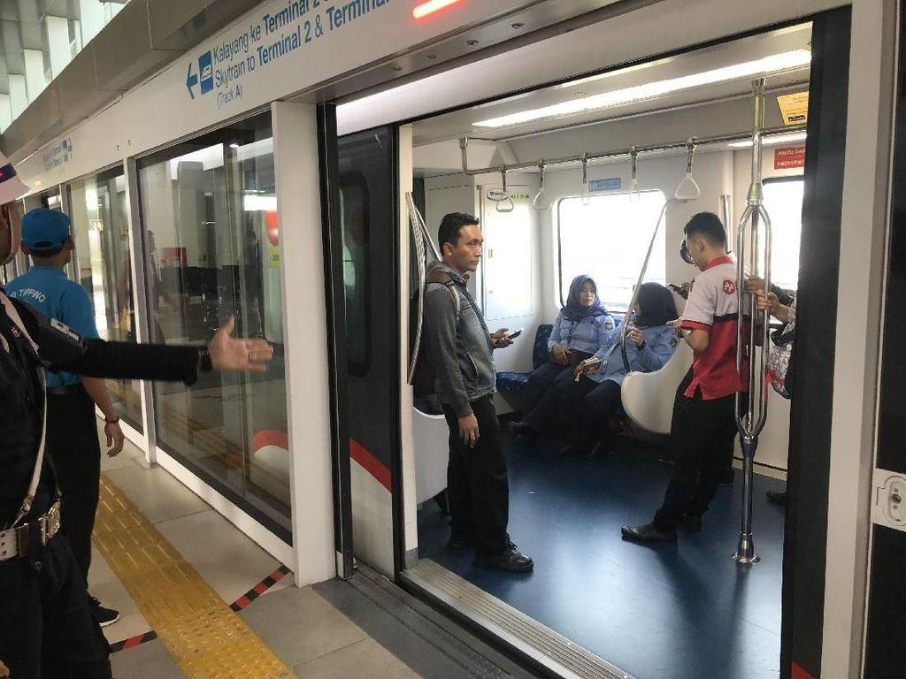 Mudik Naik Pesawat, Yuk Manfaatkan Sky Train dan Kereta Bandara