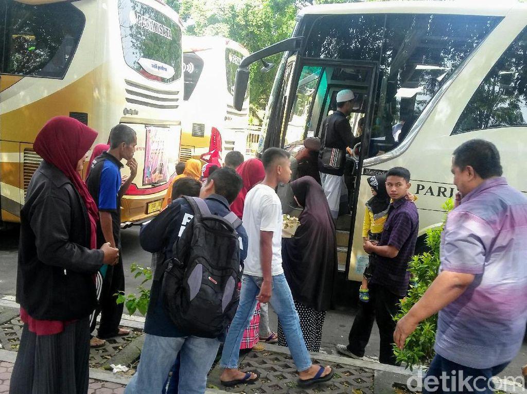 4 Bus Antar Warga Madura di Bondowoso Mudik Gratis