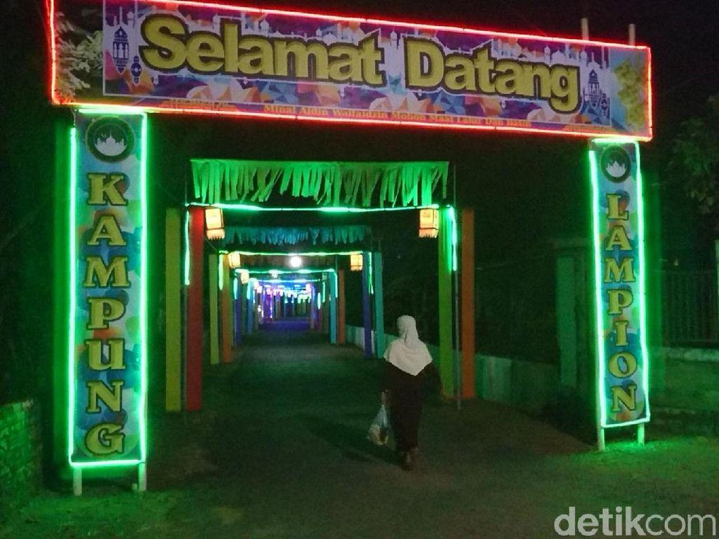 Sambut Lebaran, Gemerlap Lampion Hiasi Kampung di Trenggalek