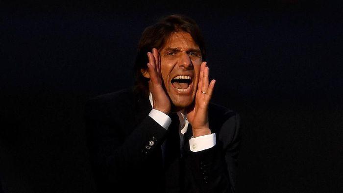 Francesco Totti sangat ingin Antonio Conte melatih AS Roma. (Foto: Laurence Griffiths / Getty Images)