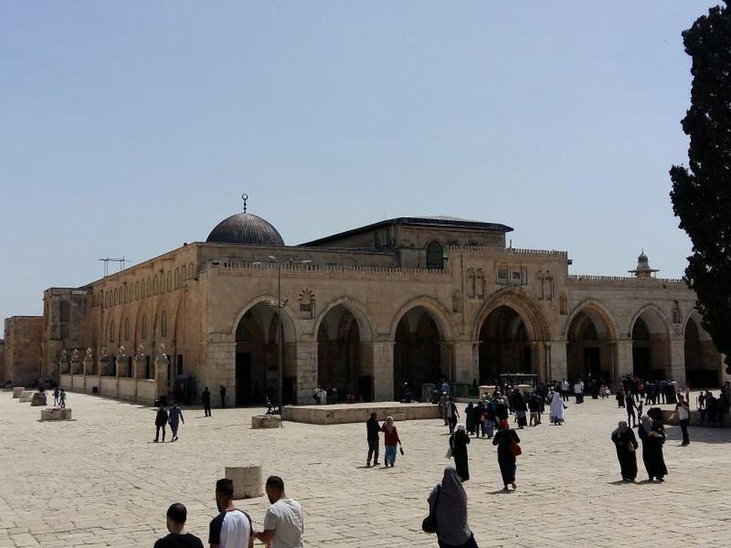 Perjalanan Spiritual di Haram Esh-Sharif