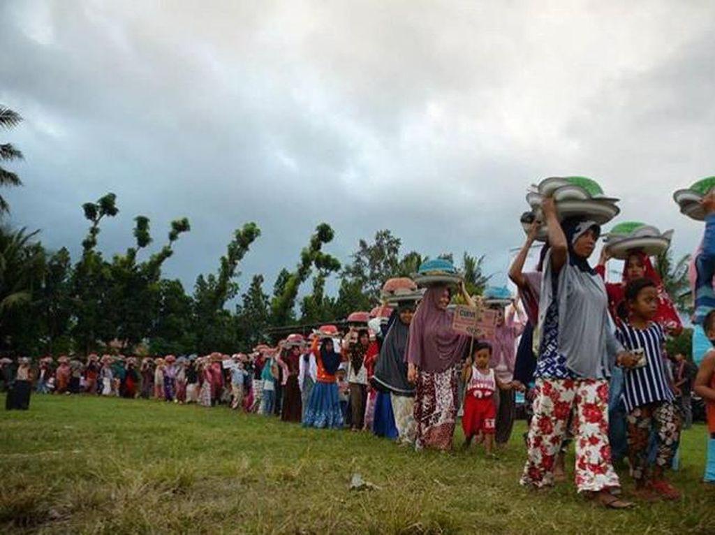 Tradisi Ngejot di Lombok, Berbagi Saat Hari Raya Idul Fitri