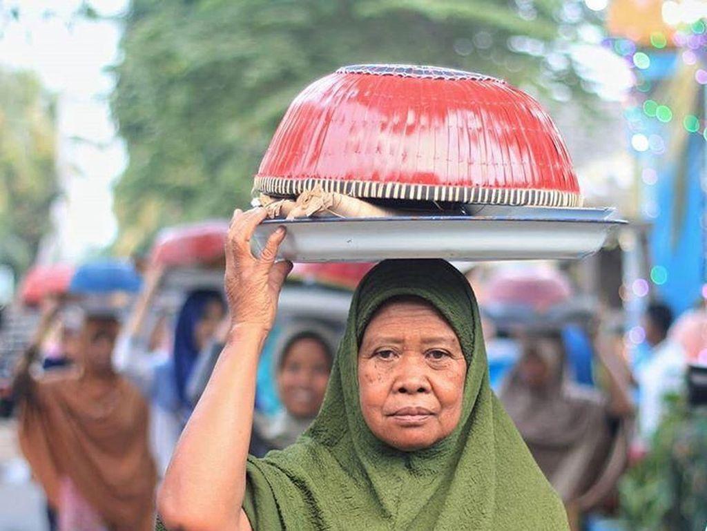 Potret Tradisi Silaturahmi Saat Lebaran di Lombok
