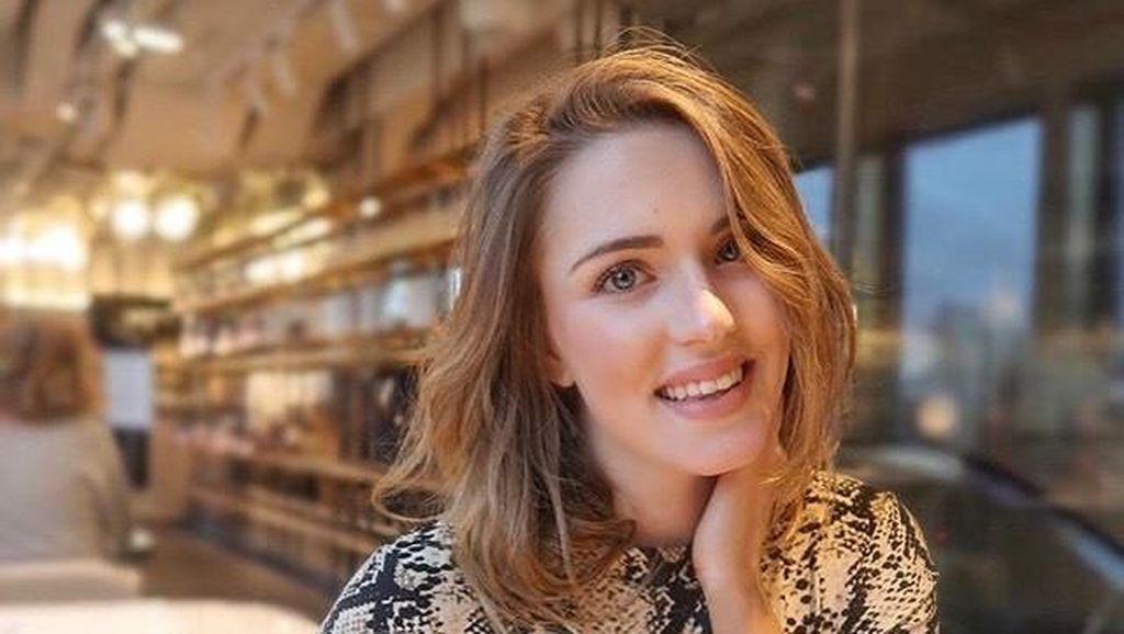 Foto: Selebgram Cantik yang Kontroversial karena Fotonya Bersama Cewek Gemuk