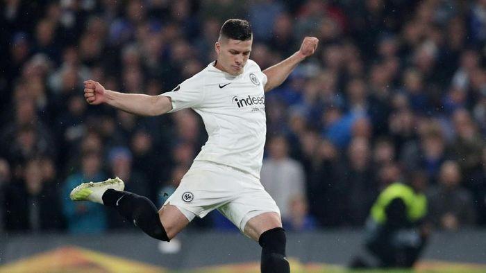 Luka Jovic resmi digaet Real Madrid dengan banderol 60 juta euro (Hannah McKay/Reuters)