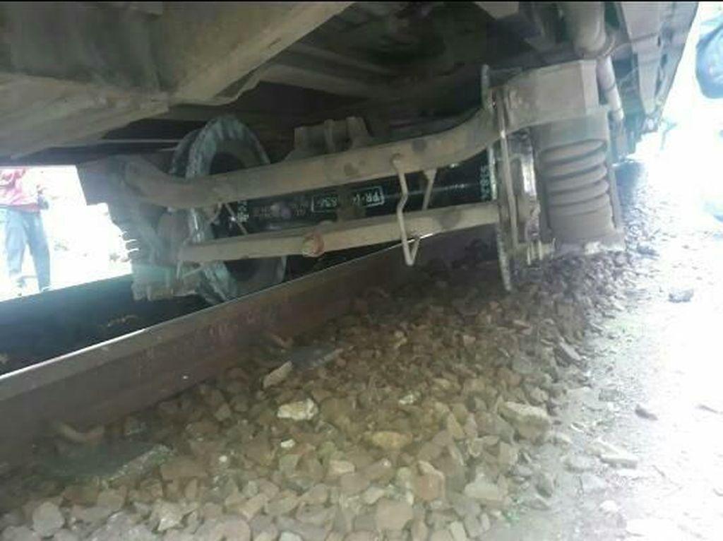 Pasca KA Serayu Anjlok, Jalur Nagreg Bisa Dilalui Kembali