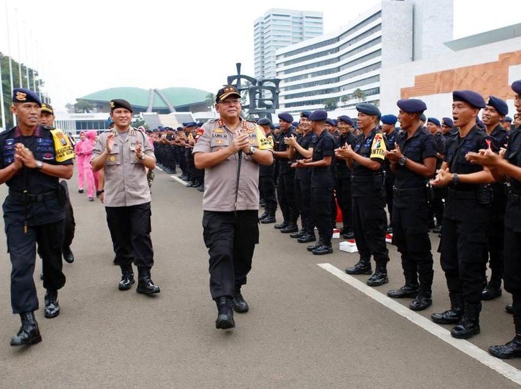 Kapolda Jatim, Buka Bersama Personel Brimob dan Sabhara BKO di Jakarta