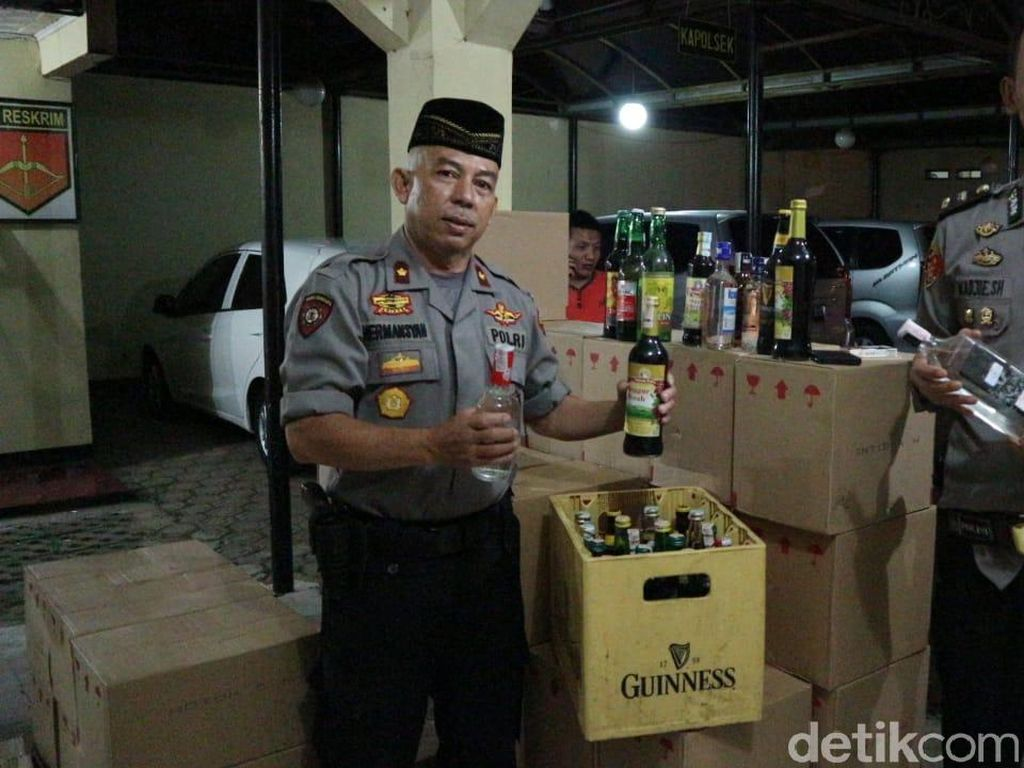 Polisi Garut Sita 843 Miras yang Akan Dijual Saat Malam Takbiran