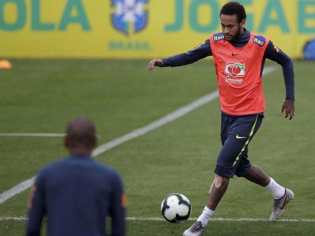 Barcelona Pulang Tangan Kosong, Sejak Awal Transfer Neymar Memang Sulit