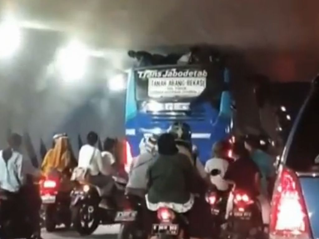 Kasus Bocah Terjepit di Atap Bus TransJabodetabek, Sopir Didenda Rp 1,2 Juta