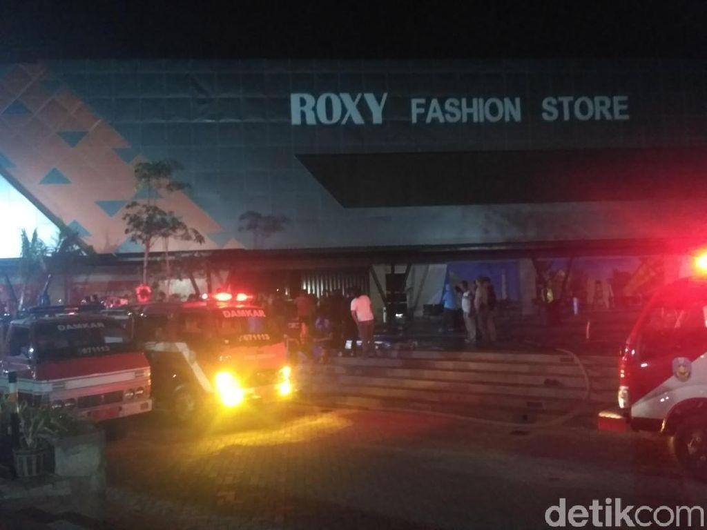 Roxy Mall Situbondo Terbakar Saat Malam Takbiran