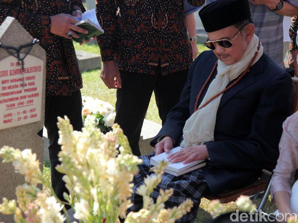 Andi Arief: Selamat Jalan Pak Habibie, Maafkan Olok-olok Kami Saat Mahasiswa