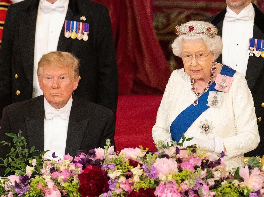 Cerita Ratu Elizabeth II yang Tampar Keluarganya di Depan Elton John