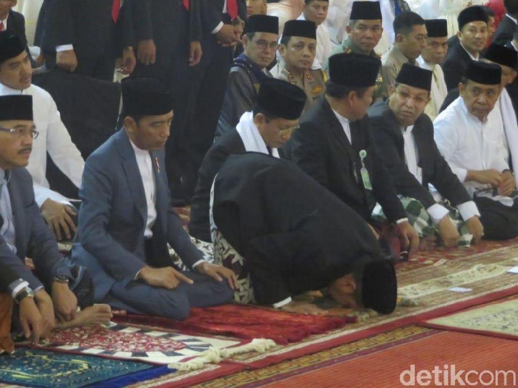 Jokowi Salat Idul Fitri di Masjid Istiqlal