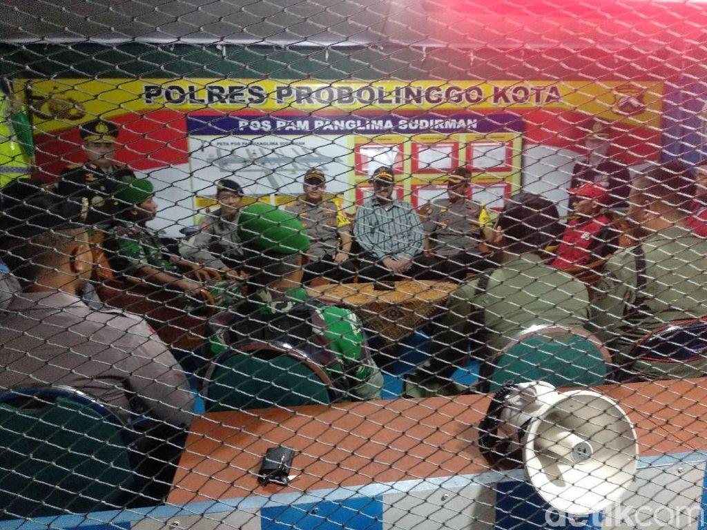 Antisipasi Kejadian di Sukoarjo, Polisi Probolinggo Patroli Pos Pam