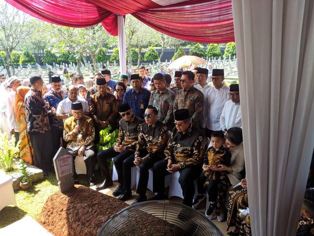 Cerita SBY soal Pertanda di Balik Batik Sawunggalih Pilihan Ani Yudhoyono
