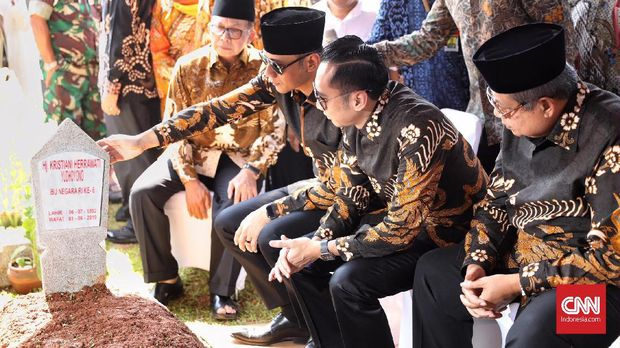 Memori Kain Batik Phoenix SBY-Ani Yudhoyono