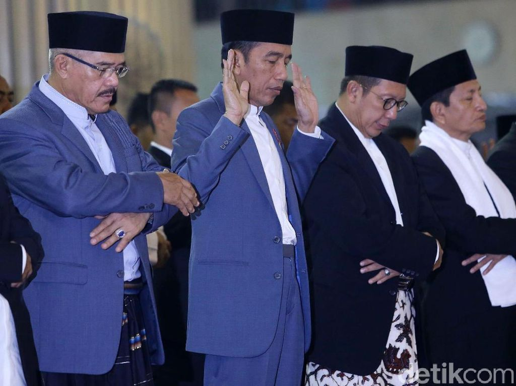 Momen Jokowi Salat Idul Fitri di Istiqlal