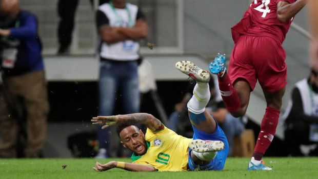 Banyak Gaya Bikin Neymar Gampang Cedera