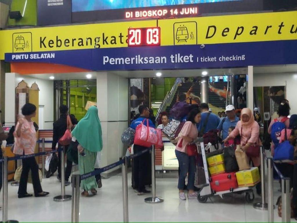 Kereta Jarak Jauh Mau Pindah ke Manggarai, Jadi Pro-Kontra di Twitter