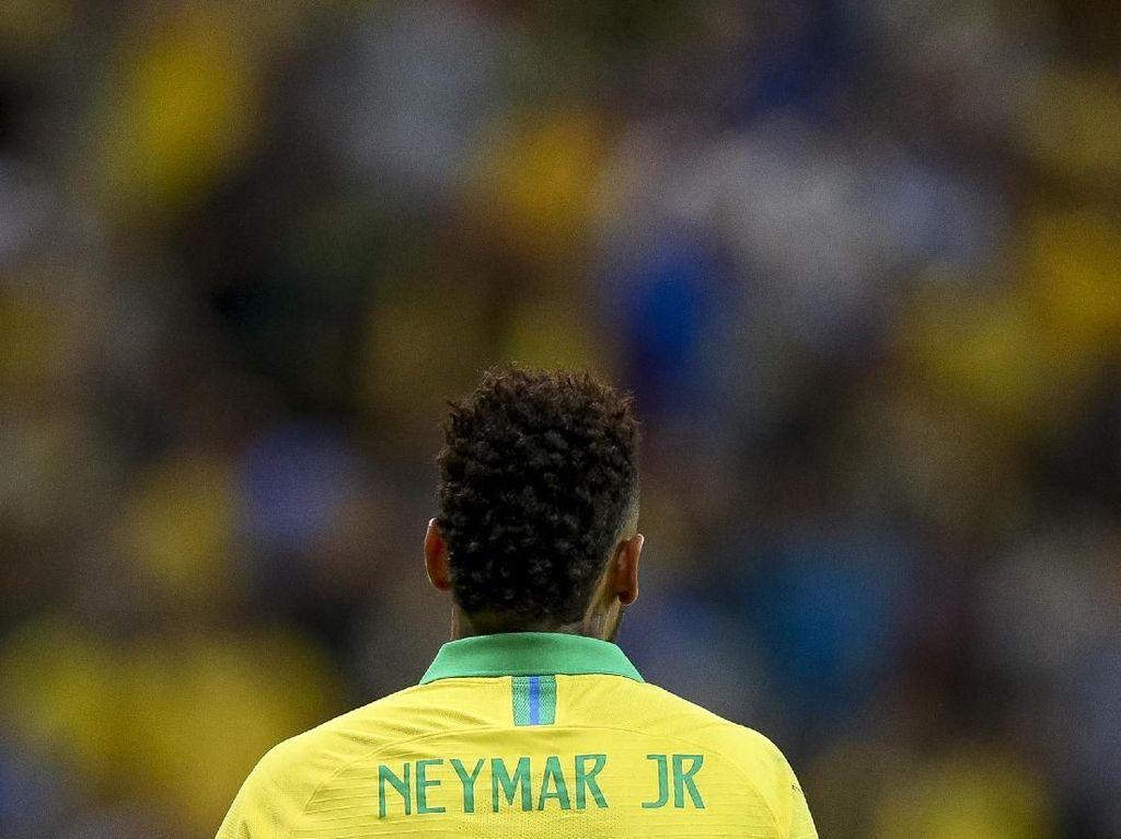 Neymar Lewatkan Copa America 2019 dengan Air Mata