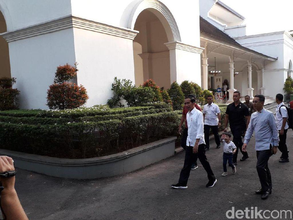 Jokowi Sapa Warga di Malioboro, Jan Ethes Tak Mau Ketinggalan