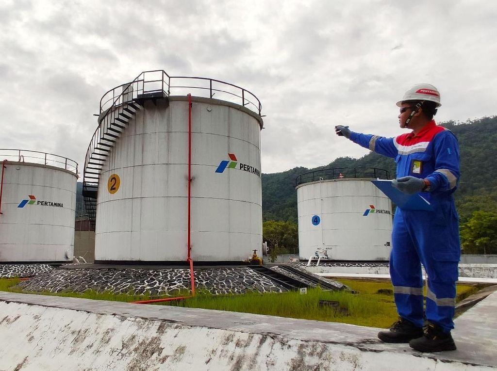 Melihat Pegawai Pertamina di Pulau Terluar Kerja saat Lebaran