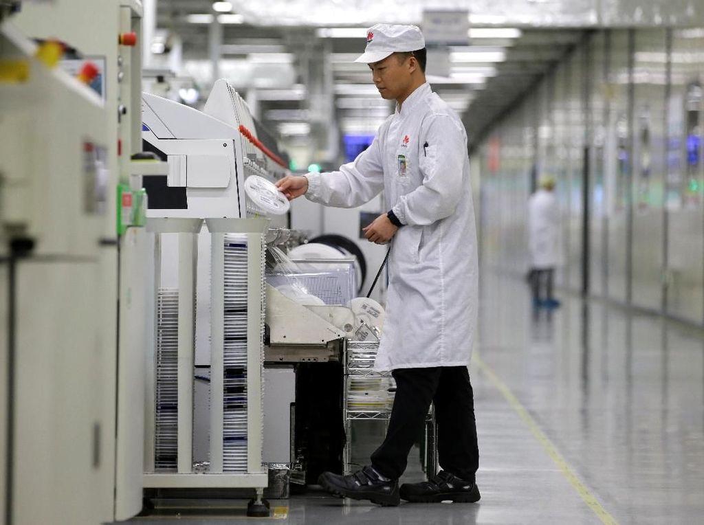 China Peringatkan Perusahaan Teknologi yang Jegal Huawei