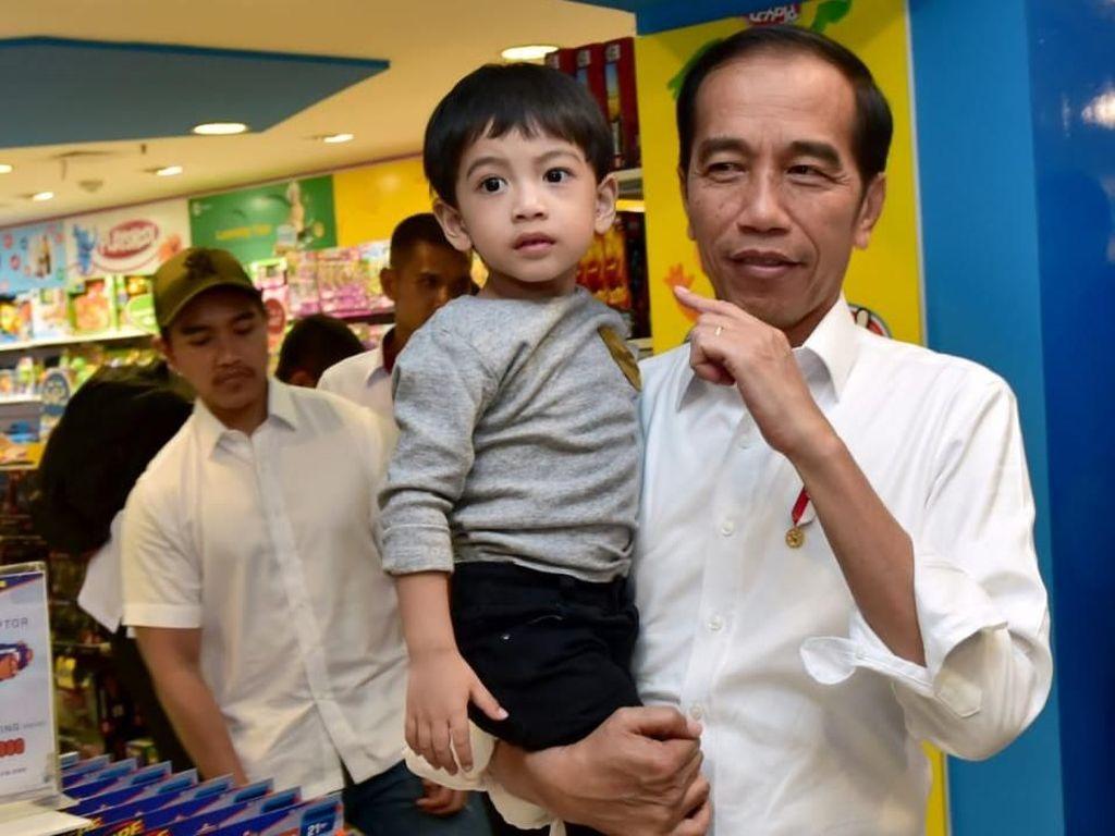 Di Yogya, Jokowi, Jan Ethes Habiskan Waktu Libur Bersama