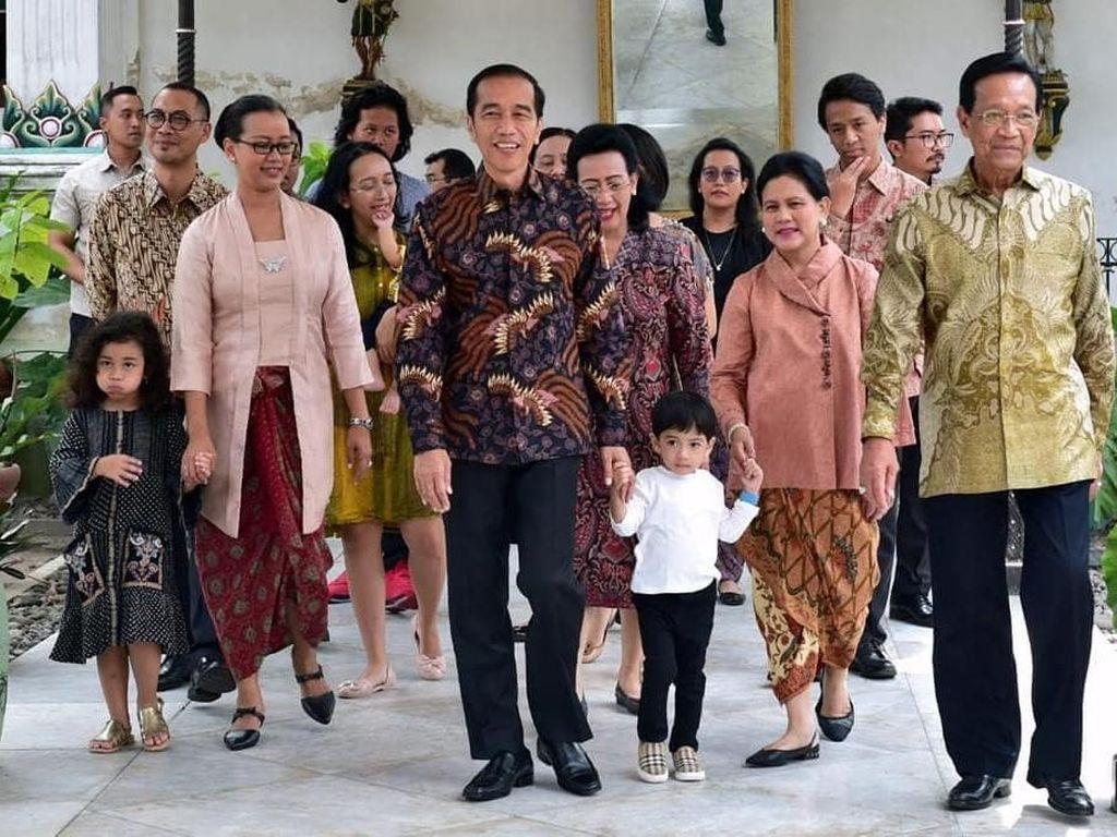 Bertemu di Keraton Yogya, Jokowi: Terima Kasih Sambutan Hangat Sri Sultan
