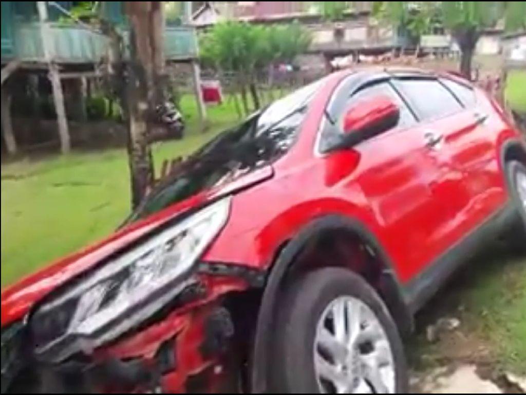 Mobil Tabrak Rombongan Pemotor di Bone, 5 Orang Terluka