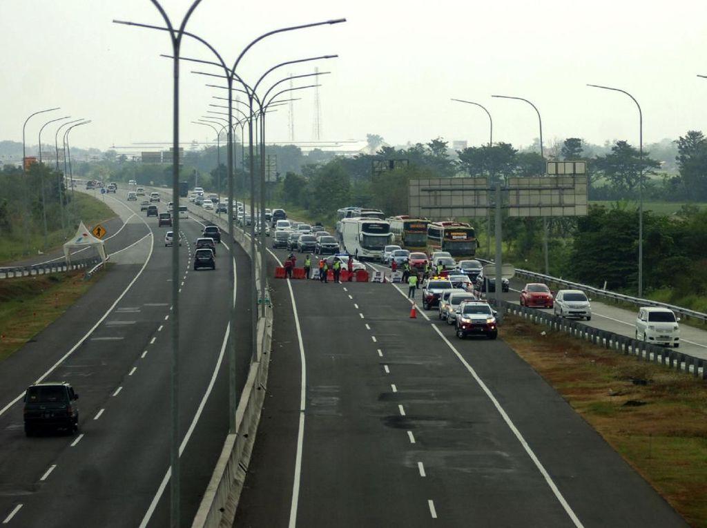 One Way Kalikangkung-Cikampek Berlaku Lagi, Volume Kendaraan Meningkat