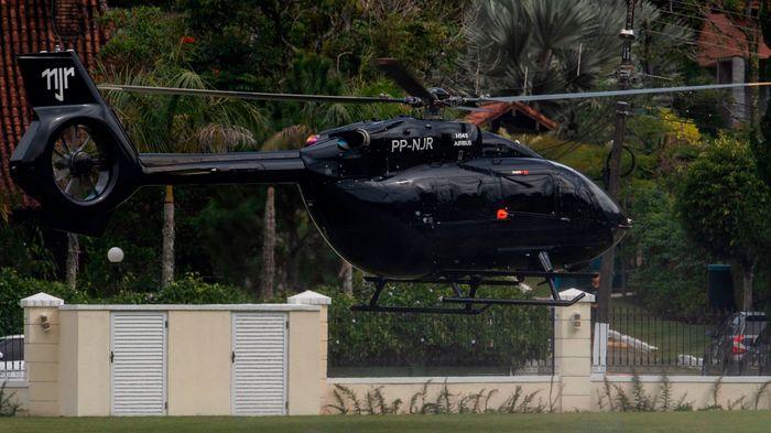 Helikopter hitam milik Neymar Foto: (AFP)