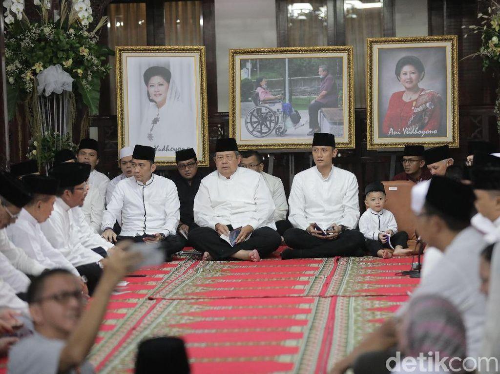 Potret Tahlilan Tujuh Hari Ani Yudhoyono di Cikeas