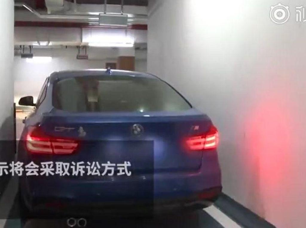 Beli Lahan Parkir Ratusan Juta, Keluar dari Mobil Saja Sulit
