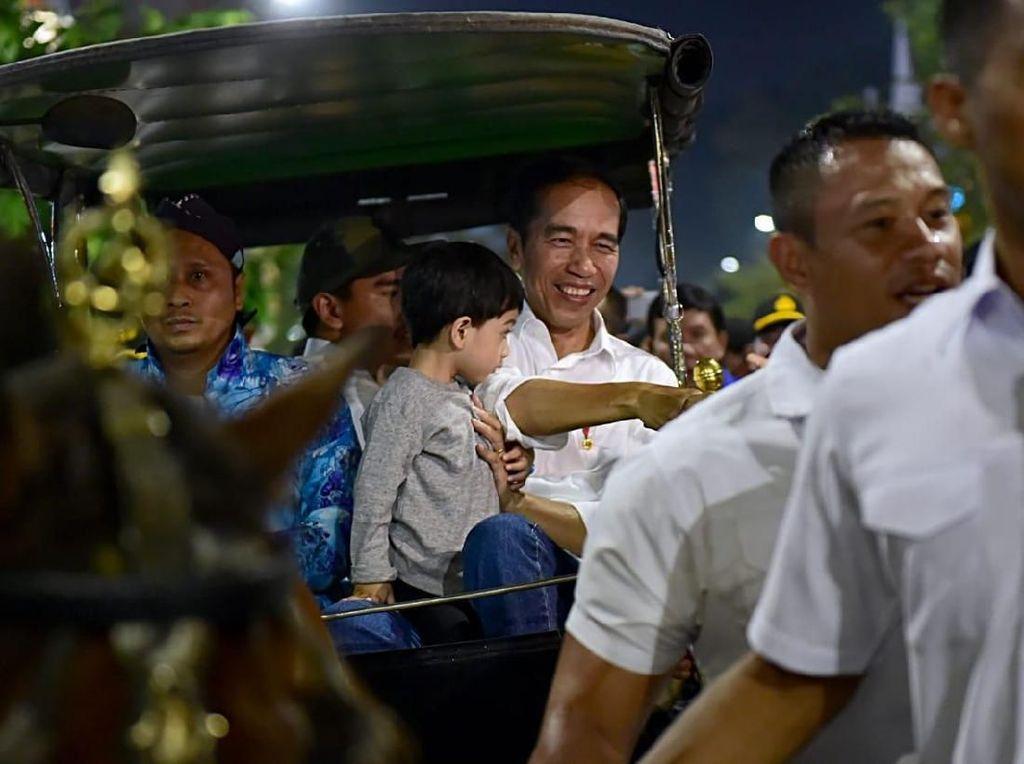 Melihat Libur Lebaran Jokowi Bareng Jan Ethes di Malioboro