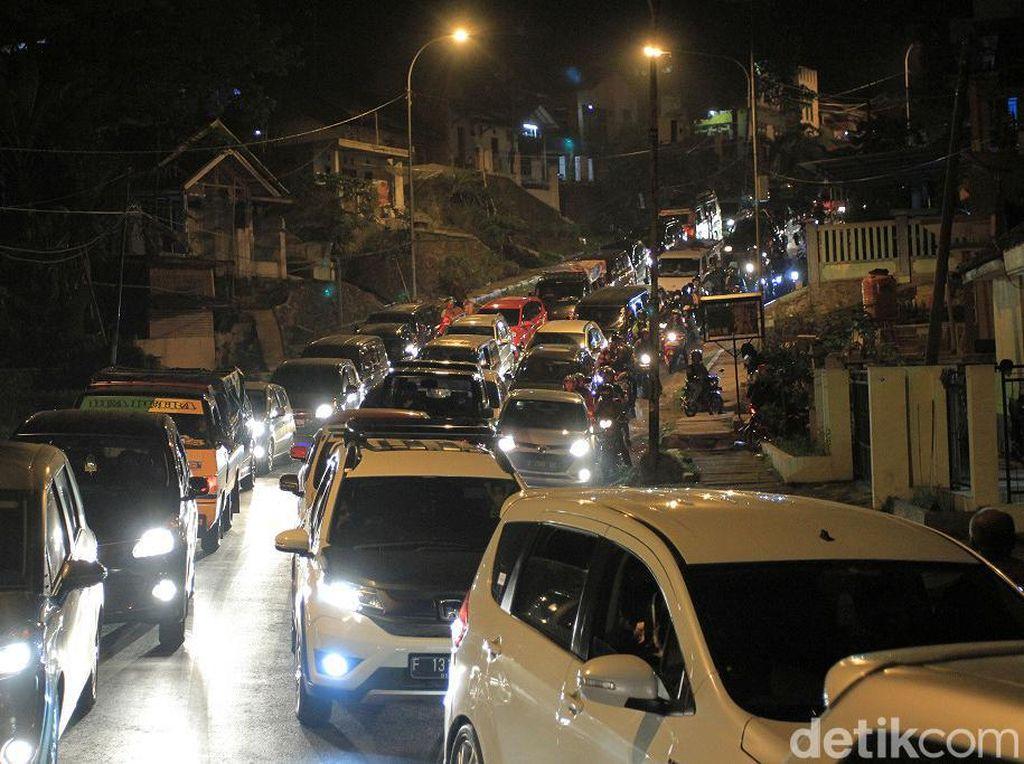 One Way Puncak ke Jakarta Berlaku, Macet di Cipanas Mulai Terurai