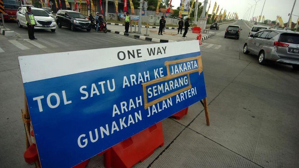 One Way Arus Balik Diberlakukan dari Kalikangkung-Cikampek Utama