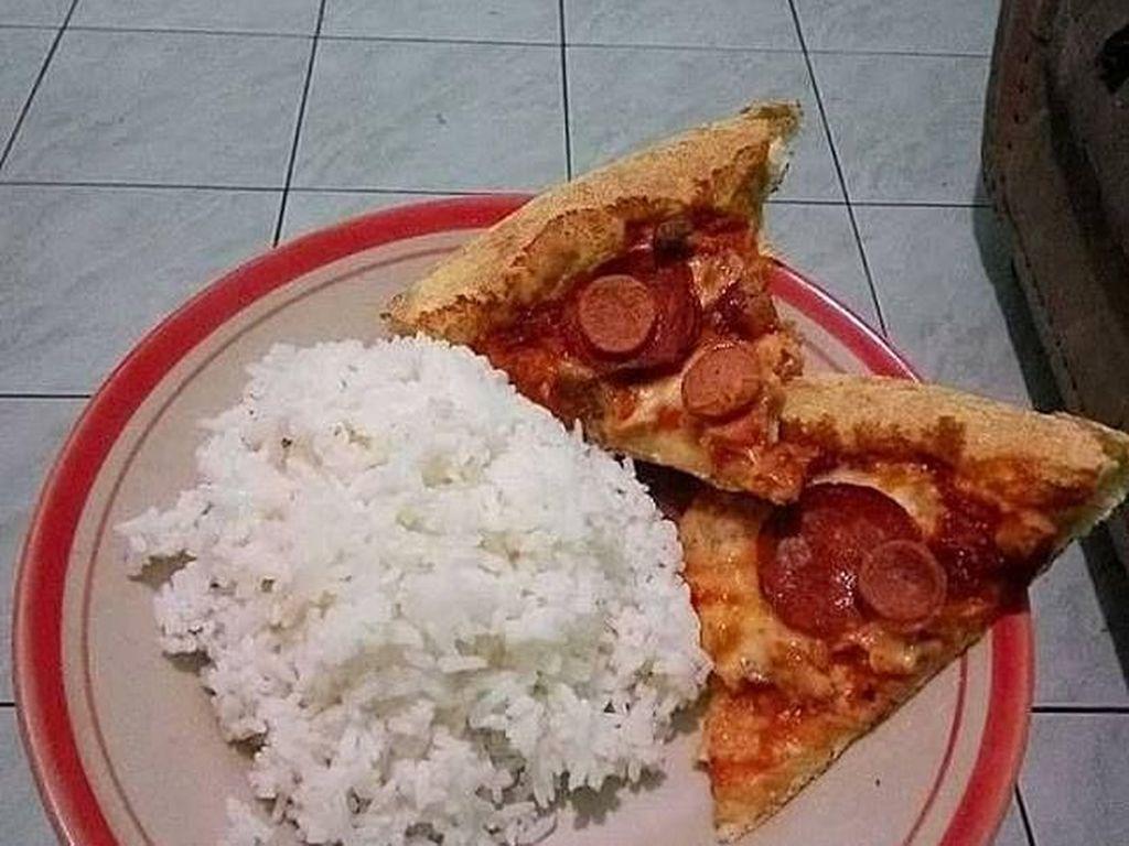 Makan Nasi Pakai Bakso dan Pizza, Meme Lucu Makanan Ini Bikin Ngakak