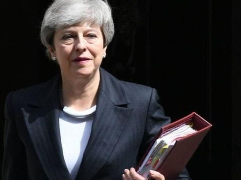 Theresa May Mundur, Begini Cara Inggris Memilih Perdana Menteri Baru