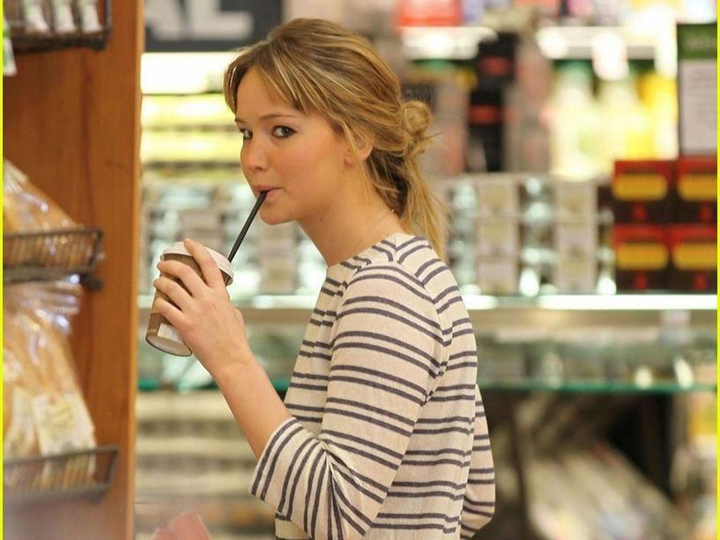 Tak Lakukan Diet Ketat, Ini Rahasia Tubuh Ramping Jennifer Lawrence