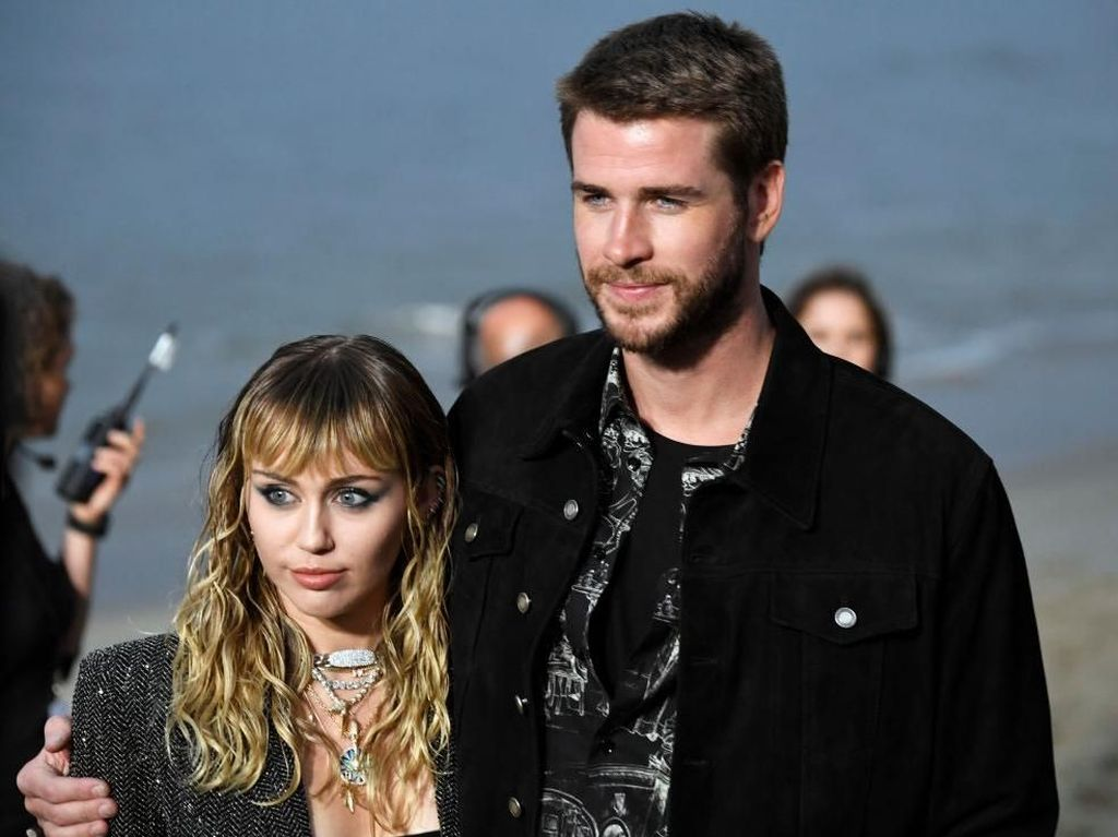 Liam Hemsworth Diminta Ceraikan Miley Cyrus