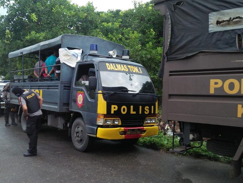 82 Orang yang Ditangkap Terkait Bentrok Buton Masih Diperiksa di Polda Sultra