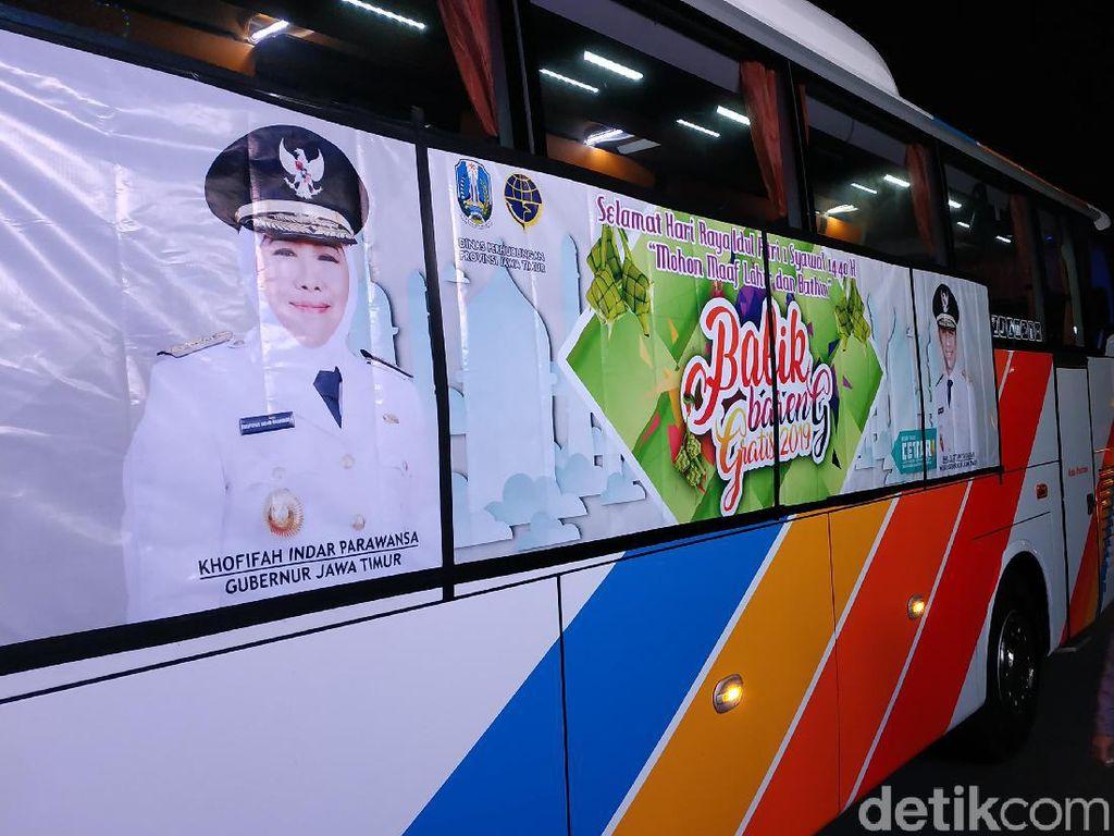 Ratusan Pemudik di Pacitan Balik ke Surabaya dengan Bus Gratis
