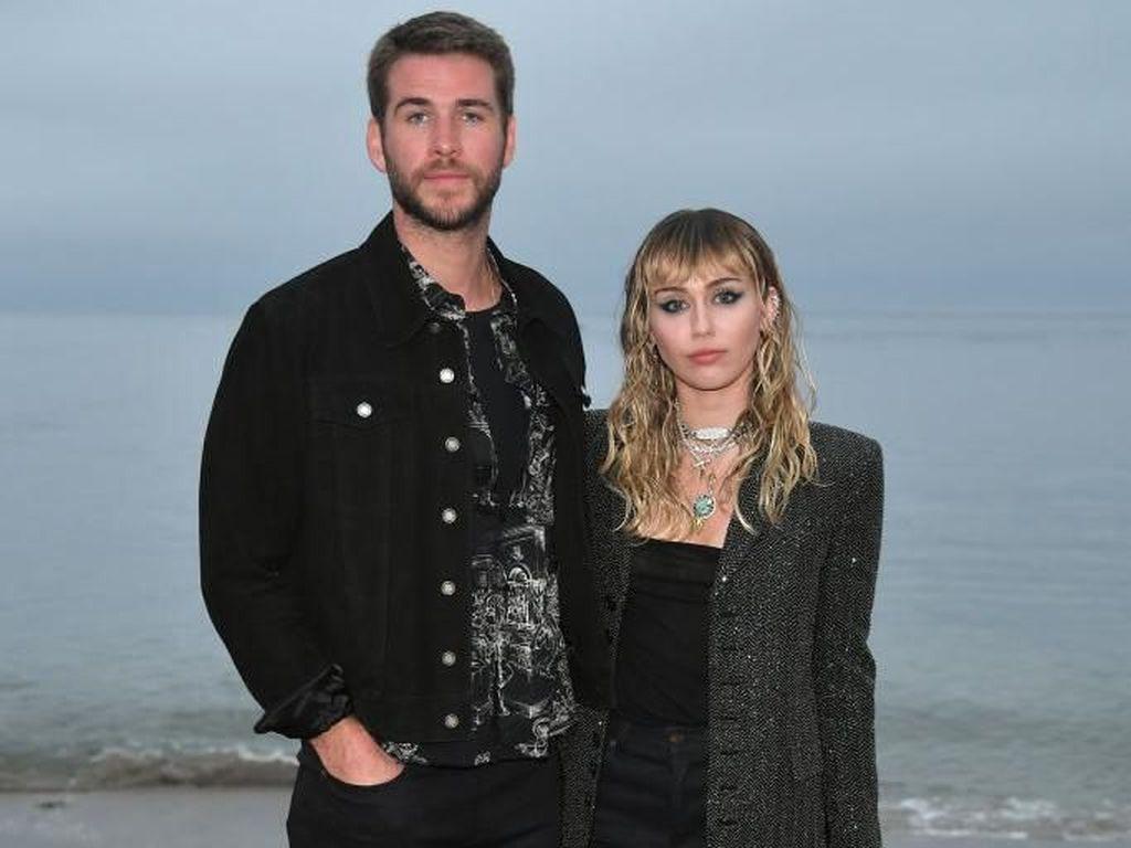 Slide Away Lagu Perpisahan Miley Cyrus untuk Liam Hemsworth