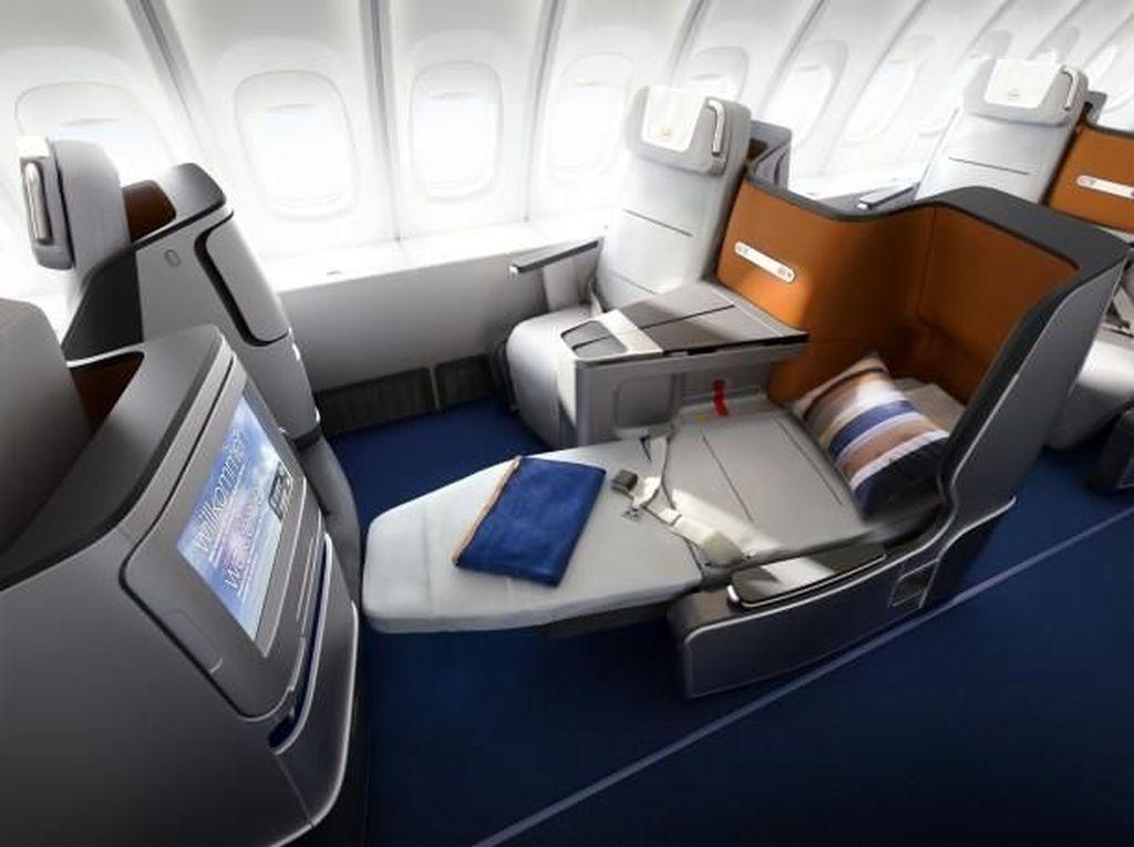 Naik Pesawat Tiketnya Ratusan Juta Rupiah dengan Lima Maskapai Ini