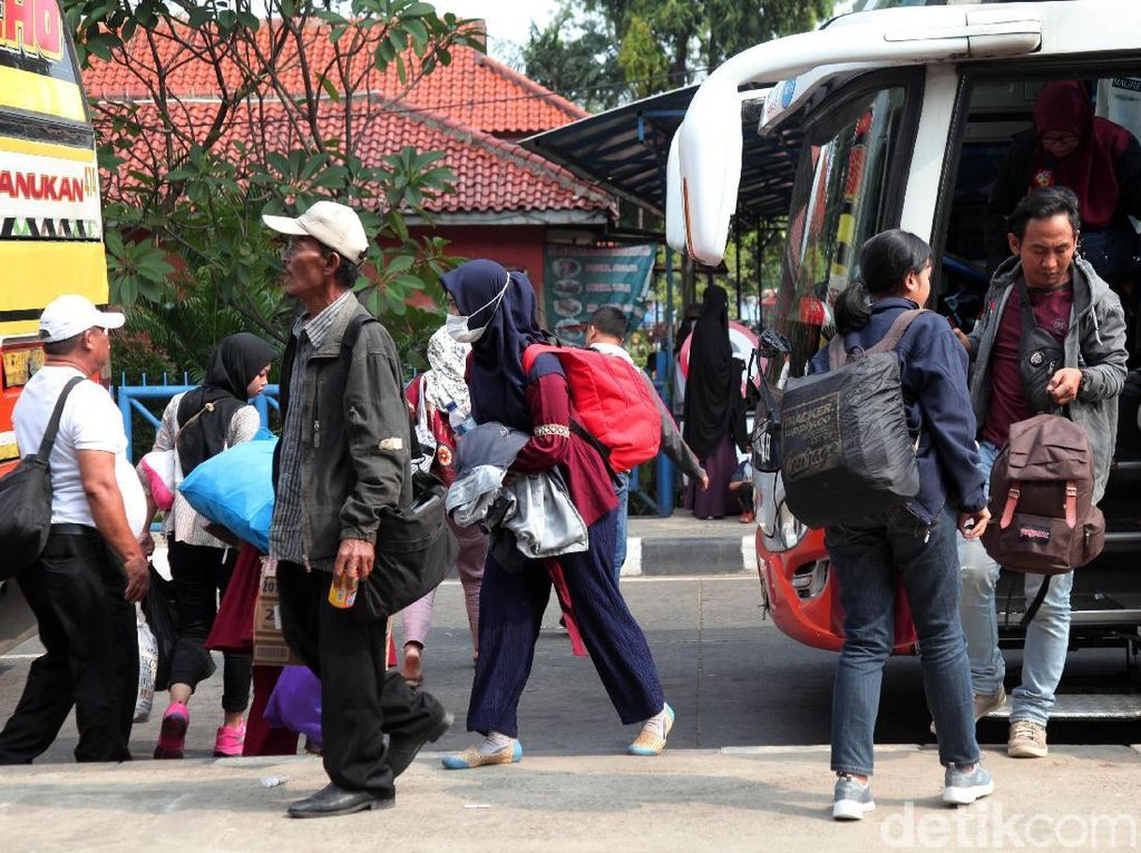 Arus Balik di Terminal Kp Rambutan Didominasi Pemudik dari Jabar-Sumatera