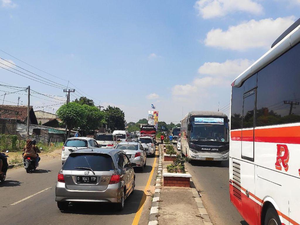 Bobby Tempuh 11 Jam dari Jakarta ke Cirebon Karena Terimbas One Way