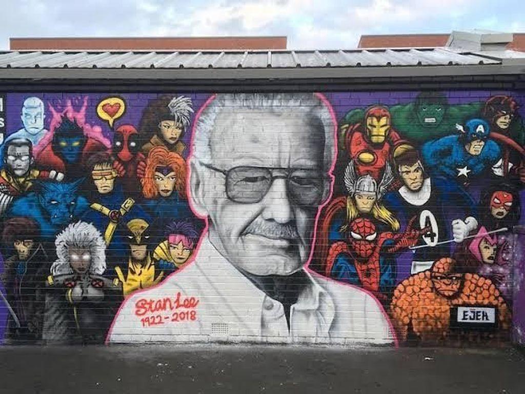 Mural Penghormatan Stan Lee Muncul di Paris