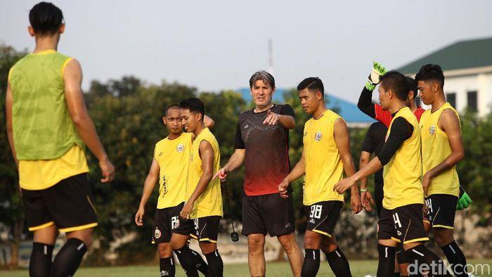 Julino Banuelos berharap pemain-pemain cedera Persija Jakarta pulih.  (Rifkianto Nugroho/detikSport)